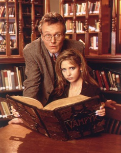 "Anthony Stewart Head and Sarah Michelle Gellar in ""Buffy the Vampire Slayer."" (Richard Cartwright / The WB)"